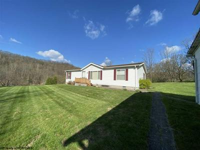 93 ROGERS HILL RD, Lumberport, WV 26386 - Photo 1