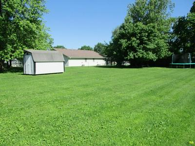 415 10TH ST, Chillicothe, MO 64601 - Photo 2