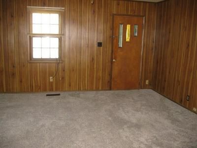 1518 CALHOUN ST, Chillicothe, MO 64601 - Photo 2