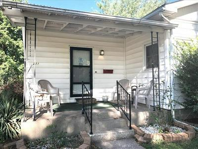 211 PACE ST, Macon, MO 63552 - Photo 2