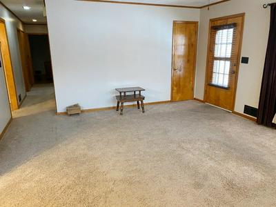 431 CLAY ST, Chillicothe, MO 64601 - Photo 2