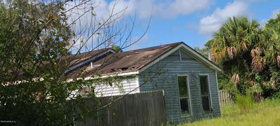 2307 SILVER LAKE DR, PALATKA, FL 32177 - Photo 2
