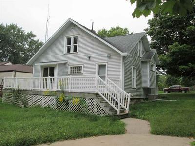 401 UNION ST, Fayette, IA 52142 - Photo 2