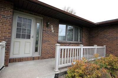 617 TANGLEWOOD DR, MANCHESTER, IA 52057 - Photo 2