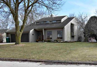 721 8TH ST SE, Independence, IA 50644 - Photo 2