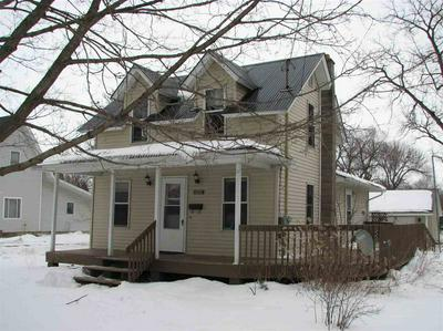 1001 N FRANKLIN ST, Manchester, IA 52057 - Photo 1