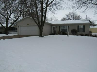 1221 N 5TH ST, Manchester, IA 52057 - Photo 1