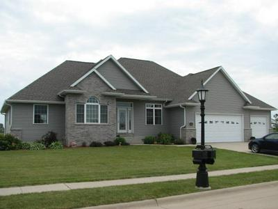 703 PINE DR SW, INDEPENDENCE, IA 50644 - Photo 1