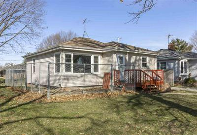 203 CHESTNUT ST, Reinbeck, IA 50669 - Photo 2