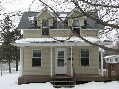 1001 N FRANKLIN ST, Manchester, IA 52057 - Photo 2