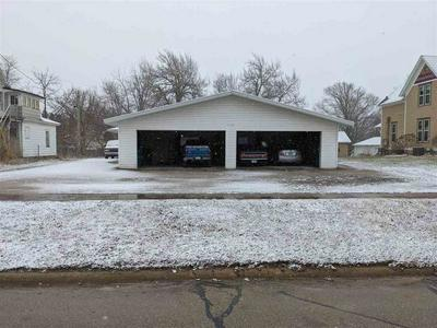 112 7TH AVE SE, Independence, IA 50644 - Photo 2