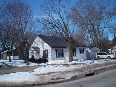 600 8TH ST SW, Independence, IA 50644 - Photo 2