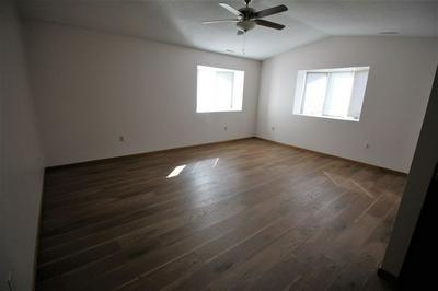 102 N FRANKLIN ST, MANCHESTER, IA 52057 - Photo 1