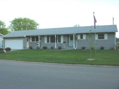 1102 OAK ST, Osage, IA 50461 - Photo 2