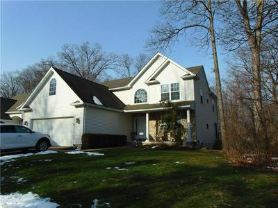 447 COUNTRY WALK, Amherst, OH 44001 - Photo 2