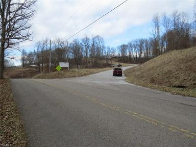 381 AUTUMN RD SE, Carrollton, OH 44615 - Photo 1