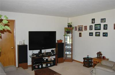 10119 MOUNT EATON RD, Wadsworth, OH 44281 - Photo 2