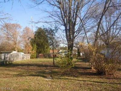 223 HARRISON ST, Kenton, OH 43326 - Photo 2
