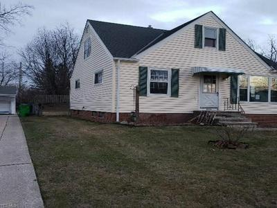 2249 LARCHMONT DR, WICKLIFFE, OH 44092 - Photo 2