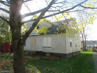 2219 N GLENWOOD AVE, Niles, OH 44446 - Photo 2