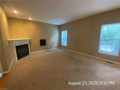 155 WEATHERSTONE DR, Berea, OH 44017 - Photo 2