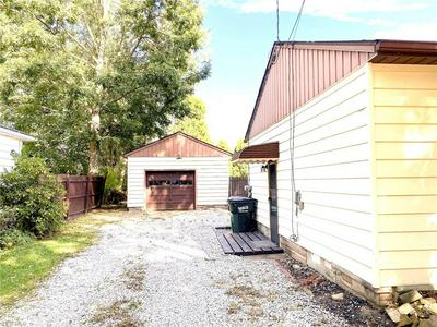615 SUNNYSIDE ST SW, HARTVILLE, OH 44632 - Photo 2