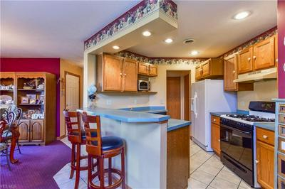 6465 SAINT ANDREWS DRIVE 6, CANFIELD, OH 44406 - Photo 2