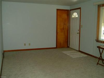 916 LINCOLN AVE, Girard, OH 44420 - Photo 2