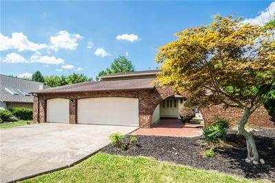18148 FOX HOLLOW DR, Strongsville, OH 44136 - Photo 2