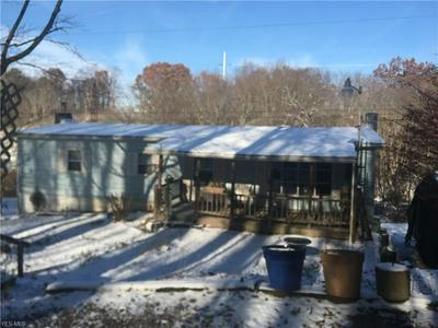 40690 OSBOURNE RD, Wellsville, OH 43968 - Photo 1