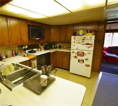 35456 ROBERTS RD, Eastlake, OH 44095 - Photo 2