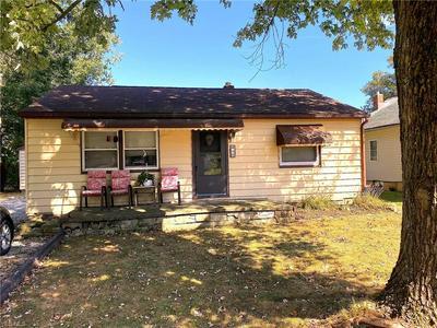 615 SUNNYSIDE ST SW, HARTVILLE, OH 44632 - Photo 1