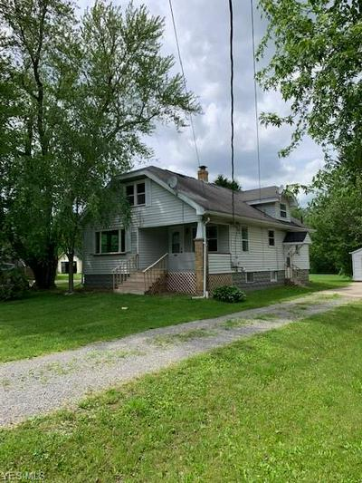 5162 CENTER RD, Lowellville, OH 44436 - Photo 2