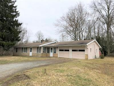 4477 W MARKET ST, Leavittsburg, OH 44430 - Photo 2
