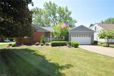 186 MAPLEVIEW DR, Seven Hills, OH 44131 - Photo 1