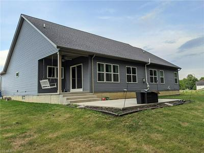 1042 WAYNE TRL, Vermilion, OH 44089 - Photo 2