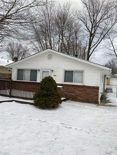 1329 E 362ND ST, EASTLAKE, OH 44095 - Photo 2