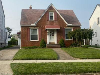 13019 GRANNIS RD, Garfield Heights, OH 44125 - Photo 1