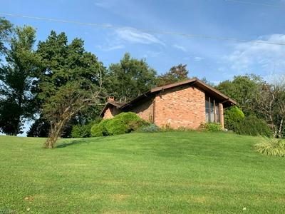 111 LYNNWOOD AVE, Bloomingdale, OH 43910 - Photo 2