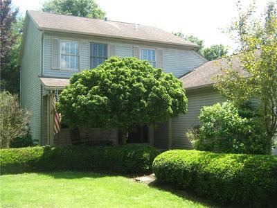 390 SPRING VALLEY DR, Zanesville, OH 43701 - Photo 1