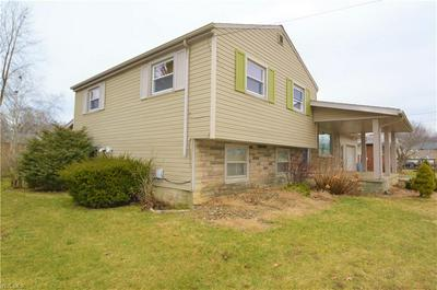 872 CARLTON DR, CAMPBELL, OH 44405 - Photo 2