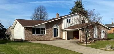 7640 WALNUTWOOD DR, Seven Hills, OH 44131 - Photo 1