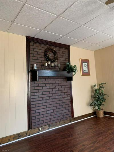527 7TH ST, Struthers, OH 44471 - Photo 2