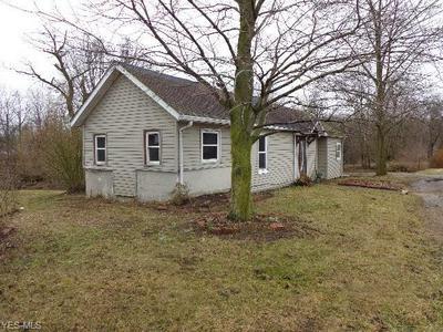 190 BURBANK ST, Creston, OH 44217 - Photo 2