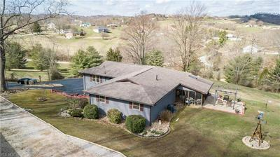 1852 PLEASANT HILL RD, PARKERSBURG, WV 26101 - Photo 2