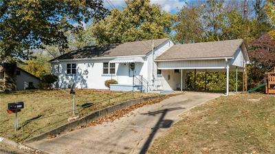 2215 HIGHLAND RD, Parkersburg, WV 26101 - Photo 1