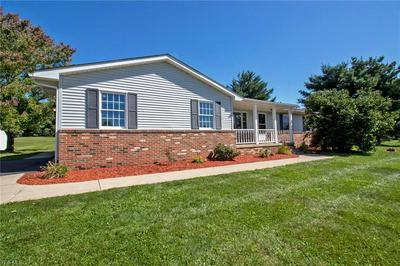 874 VALLEYWOOD CT, Wooster, OH 44691 - Photo 2