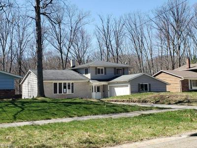 840 WELLMON ST, BEDFORD, OH 44146 - Photo 2