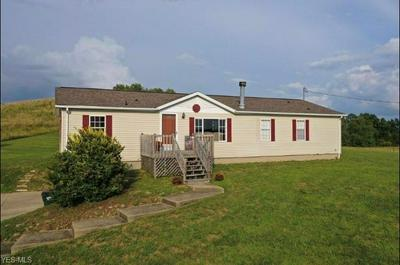 10097 EDWARDS RIDGE RD SE, Uhrichsville, OH 44683 - Photo 1