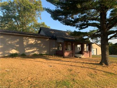 52450 TOWER RD, Cumberland, OH 43732 - Photo 2